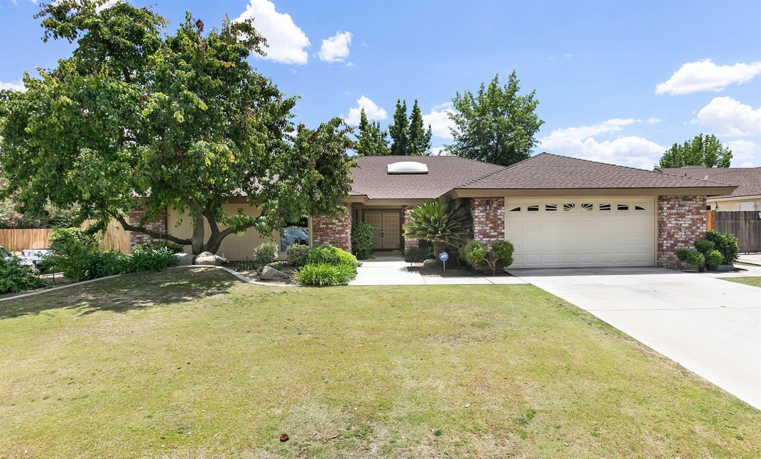 Homes For Sale in The Oaks Bakersfield